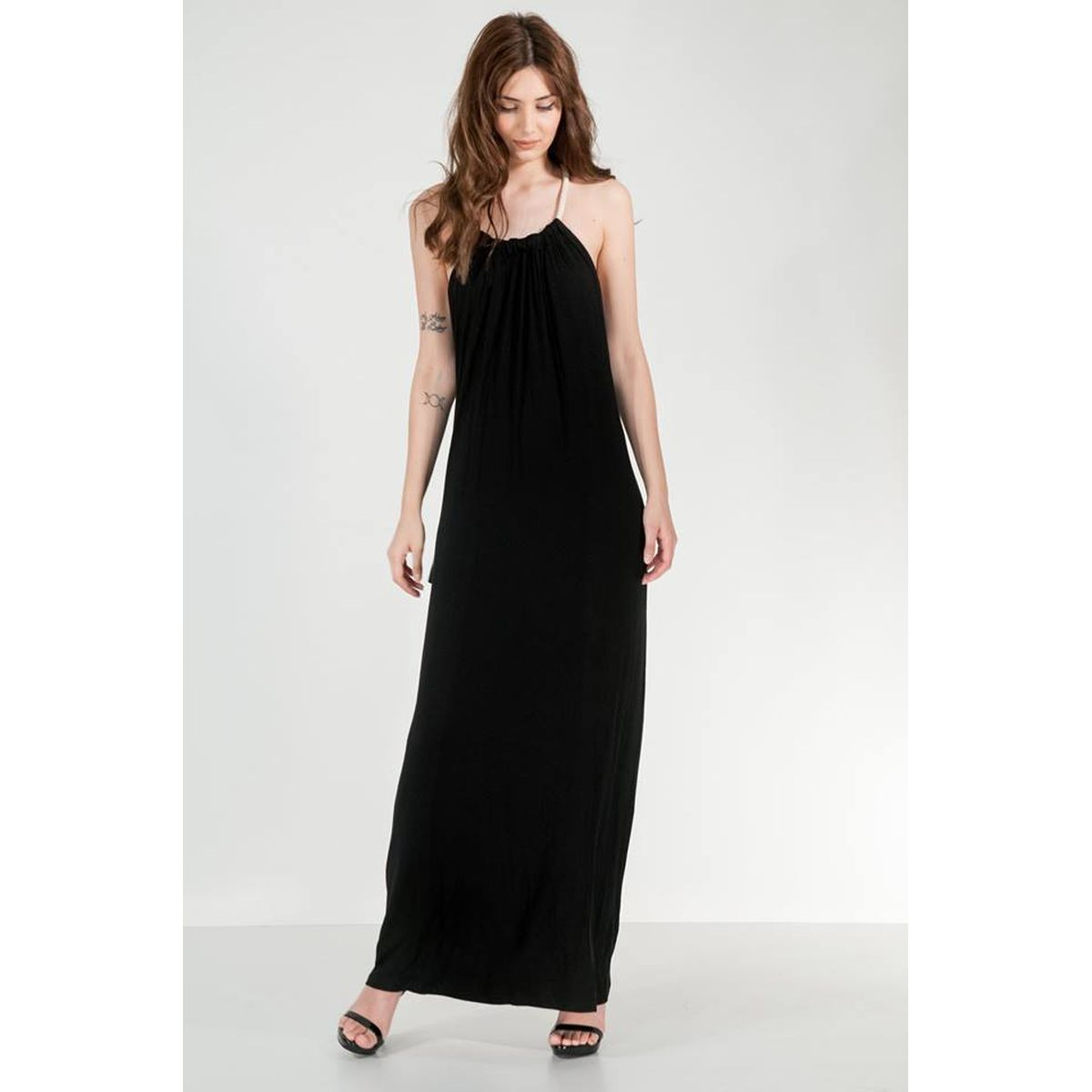 dc8728d3b58 Μαύρο φόρεμα μακρύ με ανοιχτή πλάτη - Dressme